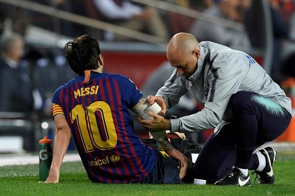 مشجعو برشلونة في مواجهة خيبة غياب ميسي عن الكلاسيكو