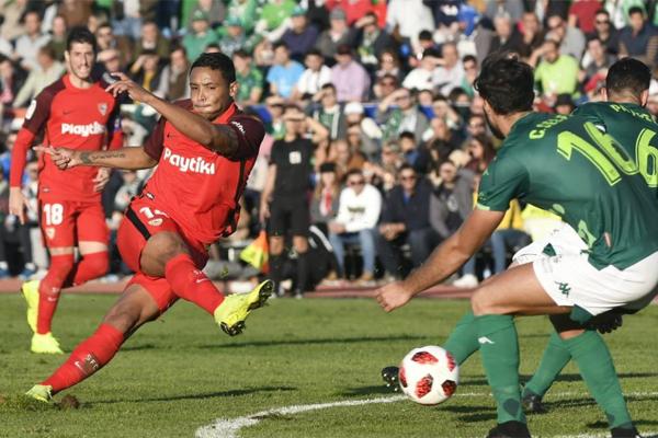 سقط إشبيلية ثالث ترتيب الدوري الإسباني لكرة القدم في فخ التعادل السلبي أمام مضيفه فيانوفنسي