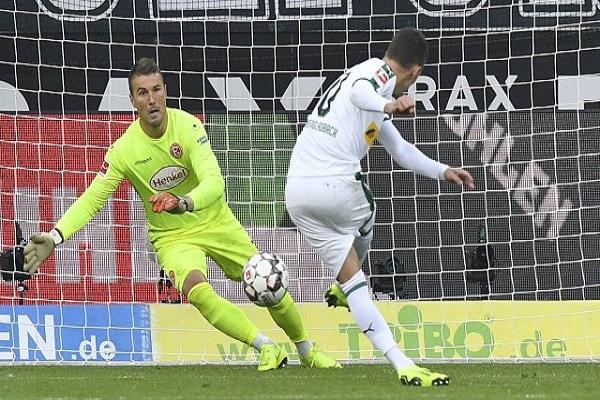 مونشنغلادباخ إلى المركز الثاني في الدوري الألماني