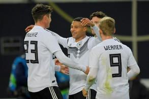 ألمانيا تستعيد نغمة الانتصارات بإكرام وفادة روسيا