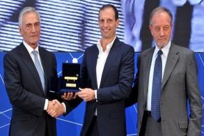 أليغري يتوج بجائزة أفضل مدرب في الدوري الإيطالي للموسم الماضي