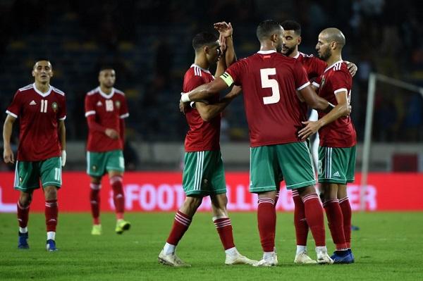 المغرب يفك عقدة الكاميرون بثنائية حكيم زياش