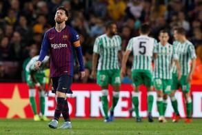 بيتيس يعكر عودة ميسي ويهزم برشلونة على ملعبه للمرة الأولى منذ عامين