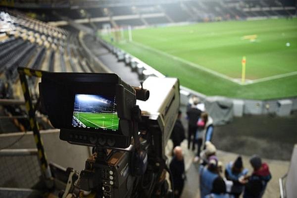 سكاي تشتري حقوق نقل مباريات الدرجة الأولى بـ 668 مليون يورو