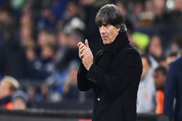 لوف يبقي على تفاؤله على رغم العام الكارثي للمنتخب الألماني