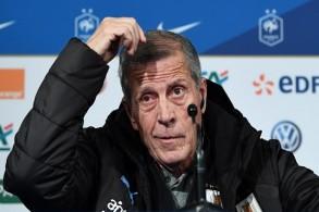تاباريز يتذمر من صعوبة إقامة مباريات ودية ضد منتخبات قوية