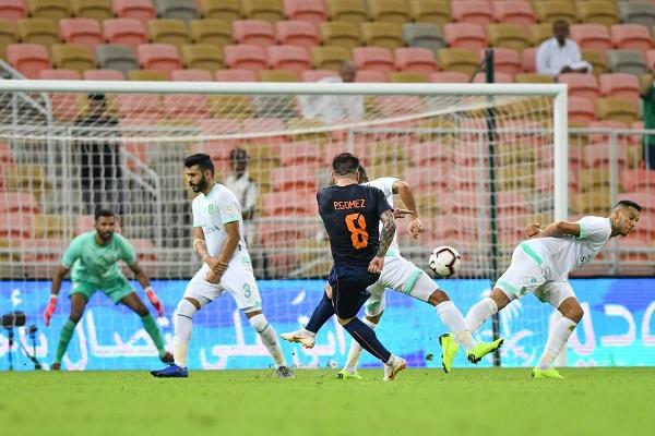 الأهلي يفرط بنقطتين في الصراع على المركز الثاني في الدوري السعودي