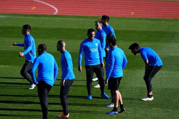 لاعبو بوكا جونيورز الأرجنتيني خلال حصة تمرينية في ملعب الاتحاد الاسباني لكرة القدم