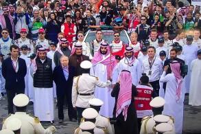 ولي العهد السعودي يحضر الجولة الكبرى لسباقات فورمولا أي