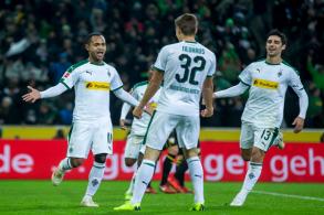 مونشنغلادباخ يستعيد المركز الثاني من بايرن في الدوري الألماني