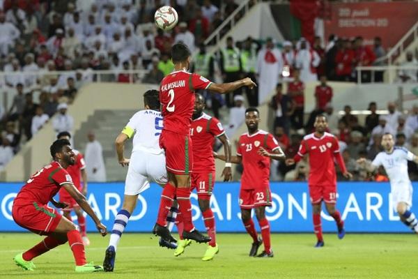 تلقت عمان هدفا متأخرا من اوزبكستان حرمها نقطة التعادل