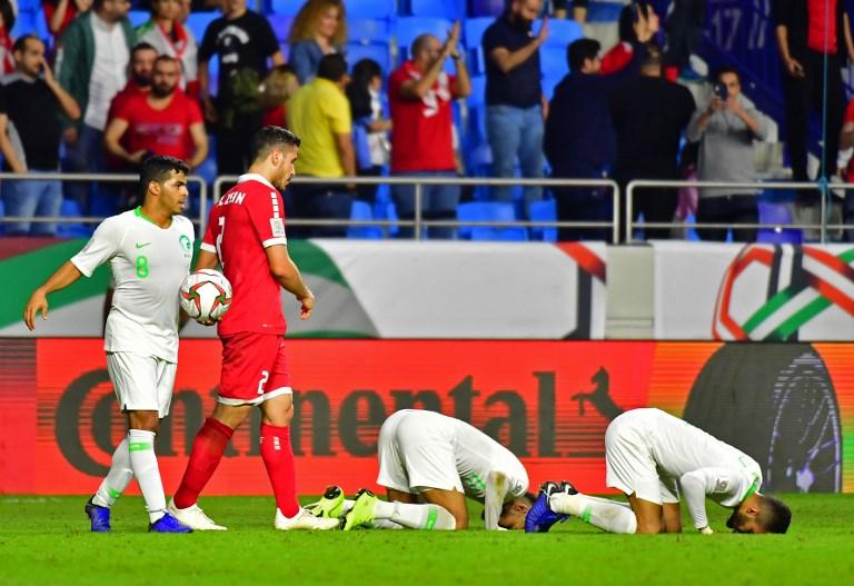 السعودية إلى دور الـ16 بفوز مقنع على لبنان