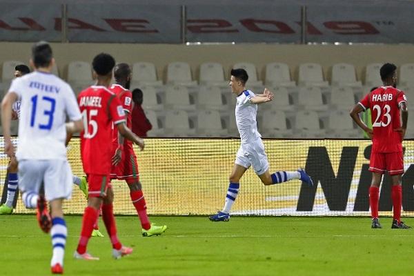 فوز متأخر لأوزبكستان على عمان