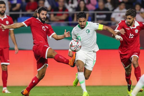 ضمان التأهل ينفس احتقان مواجهة السعودية وقطر في كأس آسيا