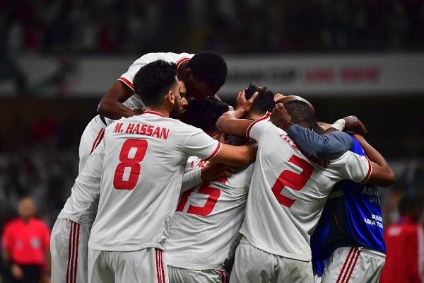 الإمارات تقصي أستراليا حاملة اللقب وتضرب موعدا مع قطر في نصف النهائي