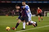 ميسي ينقذ برشلونة وسيتي وتوتنهام يضيقان الخناق على ليفربول