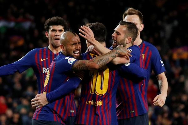 ميسي يجنب برشلونة الهزيمة الثالثة في الدوري الإسباني