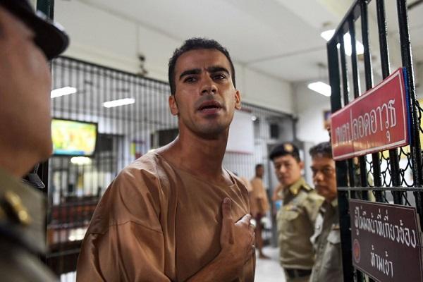 حكيم العريبي يدخل قاعة المحكمة في بانكوك. 4 شباط/فبراير 2019