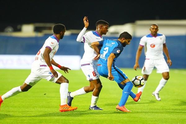 اختبار صعب للشارقة المتصدر أمام النصر في الدوري الإماراتي