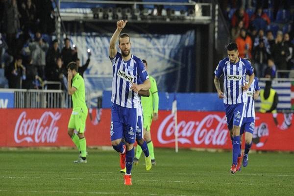 ألافيس يعود إلى سكة الانتصارات في الدوري الإسباني