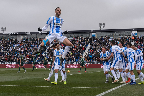 فرحة المغربي يوسف النصيري بأهدافه في البطولة الإسبانية