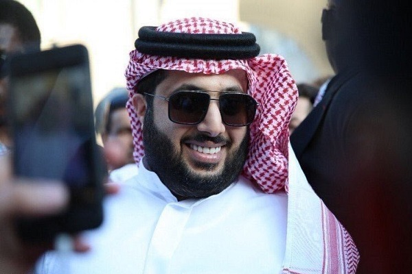 آل الشيخ يبيع نادي بيراميدز المصري لمستثمر إماراتي