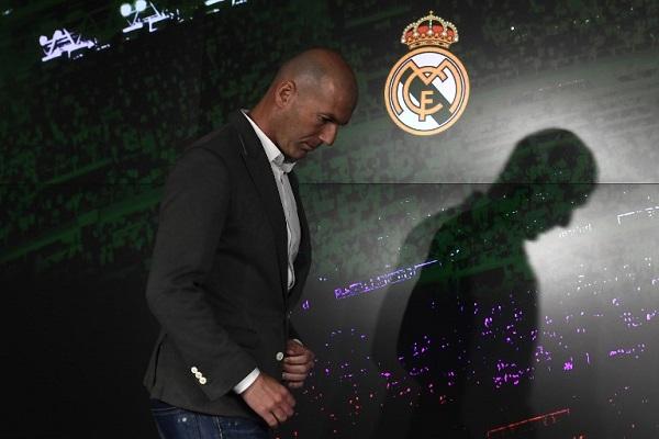 هكذا أغرى بيريز زيدان بالعودة لتدريب ريال مدريد