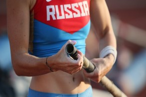 فرنسا تصدر مذكرتي توقيف دوليتين بحق مسؤولين روسيَين في ألعاب القوى