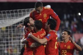 حققت إسبانيا فوزا صعبا على ضيفتها النروج 2-1