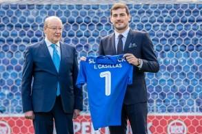 كاسياس يمدد عقده مع بورتو حتى 2020 تمهيدا لإنهاء مسيرته في صفوفه