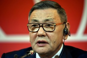 استقالة الأوزبكي رحيموف الرئيس الجدلي للاتحاد الدولي للملاكمة