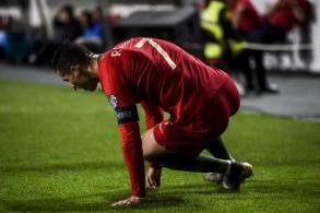 رونالدو يخرج مصابا قبل أسبوعين من ربع نهائي دوري الأبطال