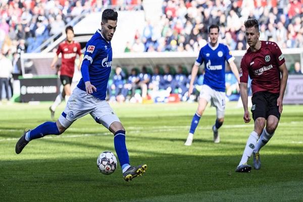 شالكه يحقق فوزه الأول بقيادة ستيفنس في الدوري الألماني