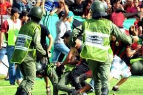 إصابة 32 شرطيا ومشجعَين في أعمال شغب في مباراة بالدوري المغربي