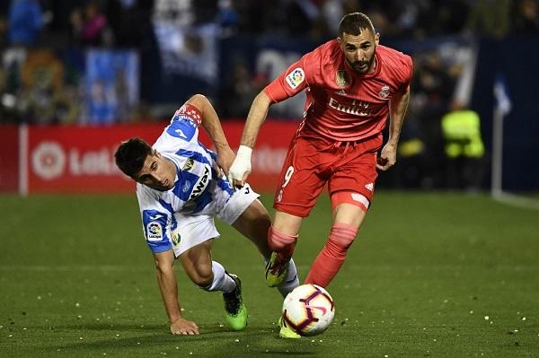 بنزيمة ينقذ ريال مدريد مرة أخرى