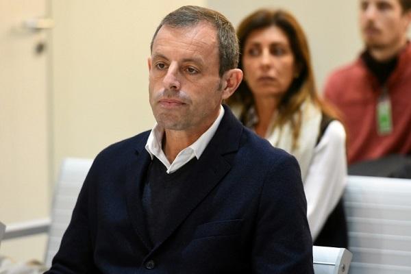 ساندرو روسيل، الرئيس السابق لنادي برشلونة الإسباني الذي برئ اليوم من تهمة تبييض الأموال