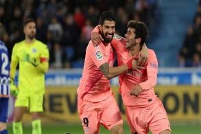 برشلونة يضع يده على اللقب وينتظر هدية فالنسيا