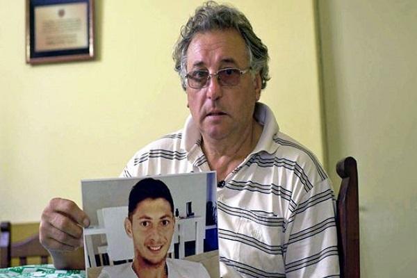 متأثرا برحيل ابنه.. أزمة قلبية تودي بحياة والد سالا