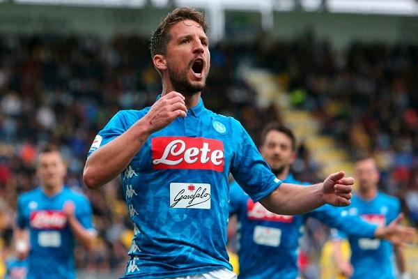 البلجيكي مرتنز يعادل رقم مارادونا مع نابولي