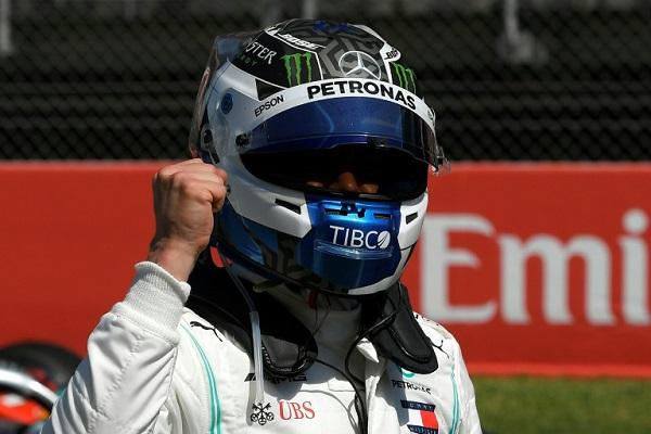 سينطلق الفنلندني فالتيري بوتاس في برشلونة من المركز الأول للمرة التاسعة في مسيرته ، بعد تفوقه في التجارب الرسمية