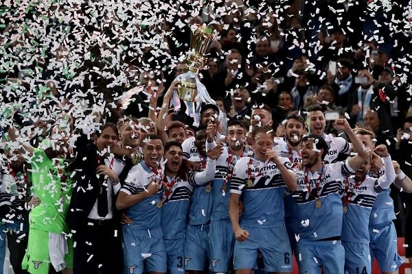 لاتسيو يحرز لقبه السابع في كأس إيطاليا بفوز قاتل على أتالانتا