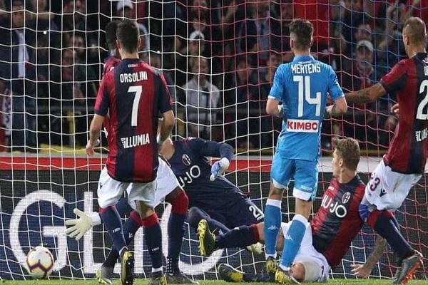 نابولي الوصيف ينهي الموسم بخسارة في الدوري الإيطالي