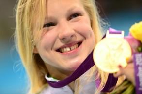 مايلوتيوتي مع ذهبيتها الاولمبية في لندن 2012