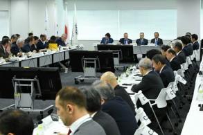 لقطة من اجتماع بين مسؤولي اللجنة الأولمبية الدولية واللجنة المحلية المنظمة لأولمبياد طوكيو 2020، عقد في العاصمة اليابانية