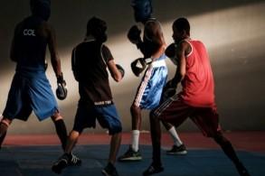 ملاكمون من كولومبيا والبرازيل يشاركون في حصة تمرينية مشتركة خلال أولمبياد ريو 2016،