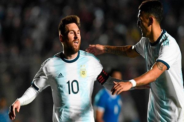 ميسي يسجل ثنائية ويقود الأرجنتين إلى فوز كبير على نيكاراغوا