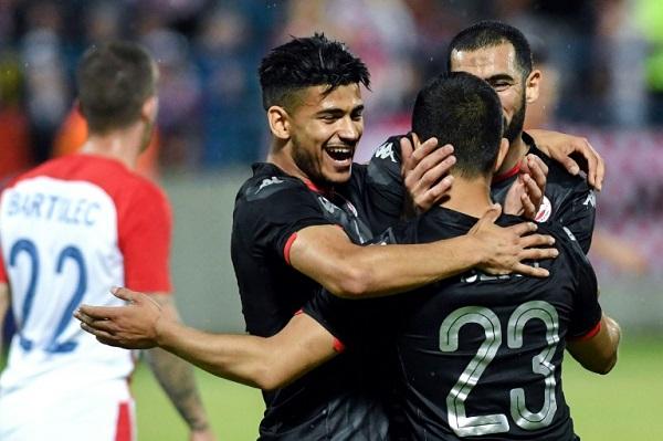 لاعبو منتخب تونس يحتفلون بهز شباك كرواتيا في مباراة دولية ودية