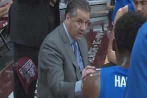 سينفق فريق جامعة كنتاكي لكرة السلة 86 مليون دولار على عقد جديد لعشر سنوات مع مدربه جون كاليباري