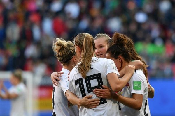 ألمانيا على مشارف ثمن النهائي