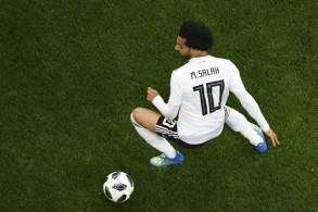 النجم المصري محمد صلاح خلال مباراة منتخب بلاده ضد روسيا ضمن نهائيات كأس العالم في كرة القدم، في 19 حزيران/يونيو 2018.
